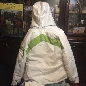 Columbia winter coat w/ zip out armpit-green/white